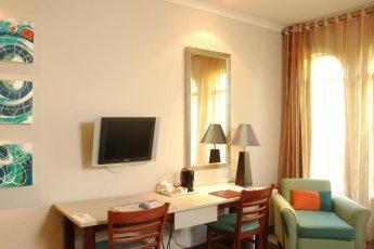 Peermont Metcourt (3 Star) Khoroni Hotel, Casino and